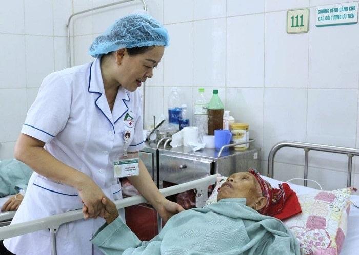 Cần phân biệt rõ tên gọi y tá và điều dưỡng