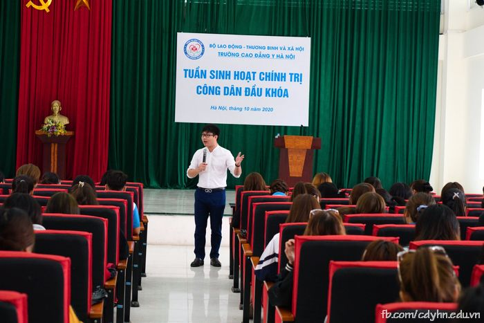 học tuần sinh hoạt chính trị công dân đầu khoá 2020-2021