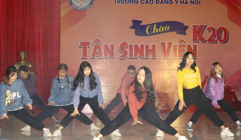 chao-tan-sinh-vien-k20-cdyhn_10