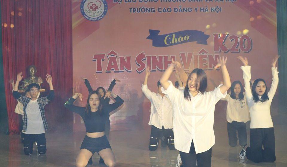 chao-tan-sinh-vien-k20-cdyhn_14