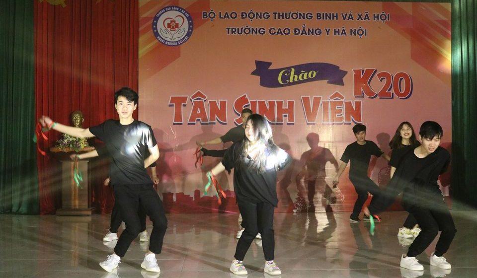 chao-tan-sinh-vien-k20-cdyhn_18