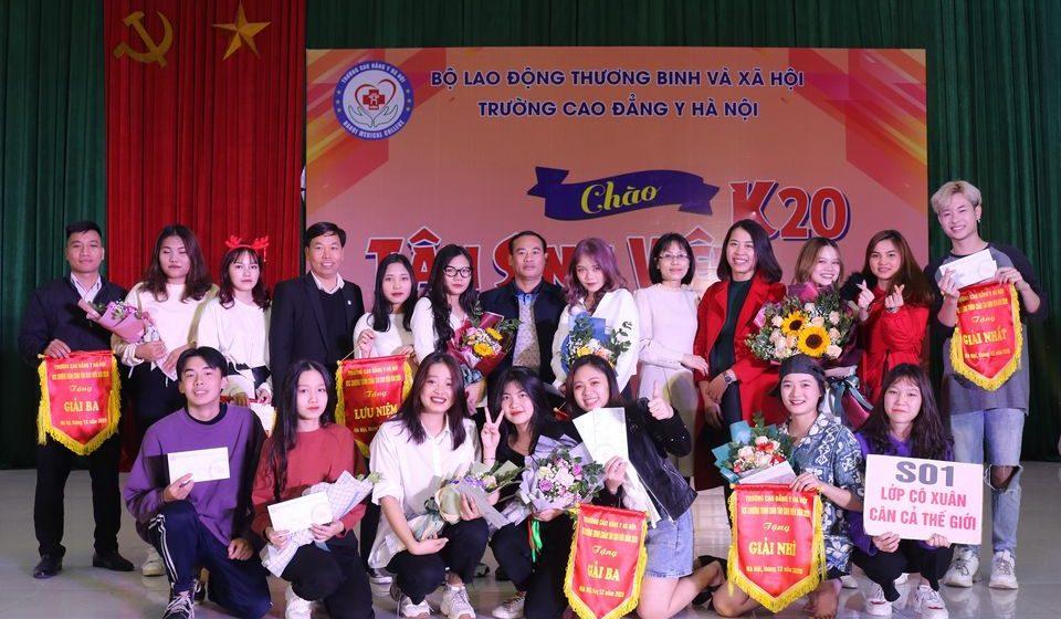 chao-tan-sinh-vien-k20-cdyhn_24
