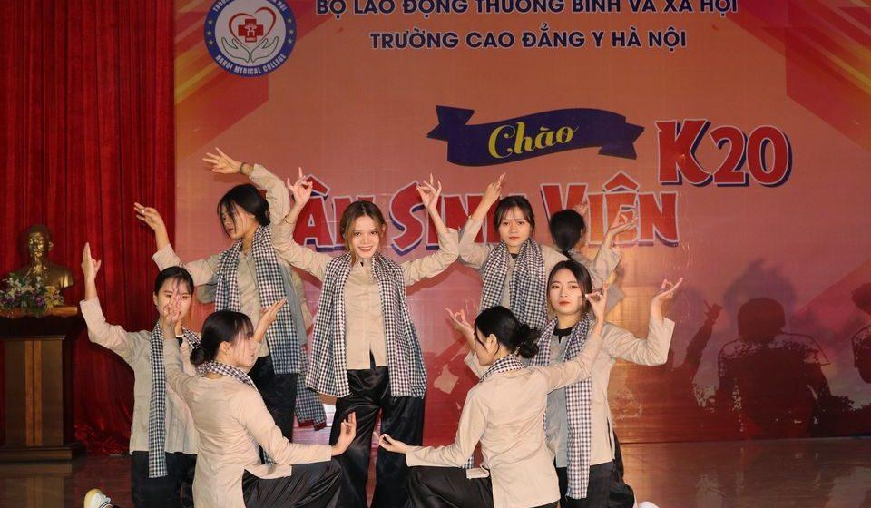 chao-tan-sinh-vien-k20-cdyhn_4