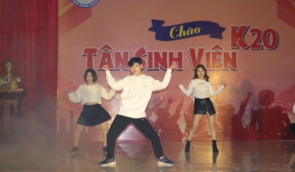 chao-tan-sinh-vien-k20-cdyhn_7