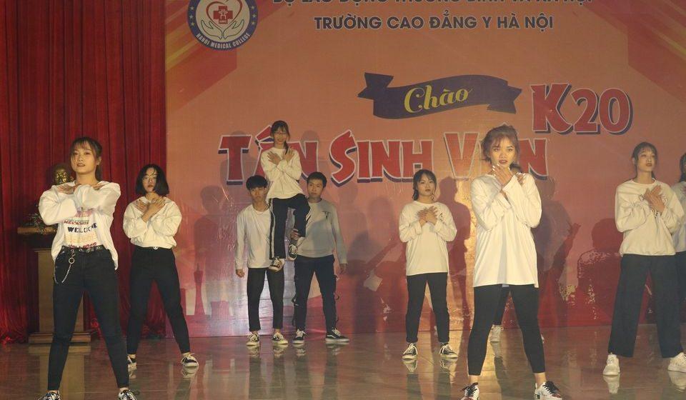 chao-tan-sinh-vien-k20-cdyhn_8