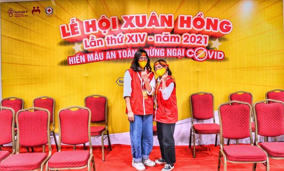sinh viên cao đẳng y với lễ hội xuân hồng 2021
